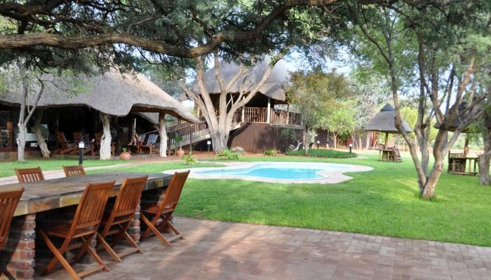 Som gæst på Temba Safari bliver du ikke bare forkælet med god mad og service. Du får også mulighed for at gå omkring på egen hånd i den sydafrikanske bush blandt impalaer, zebraer og giraffer.